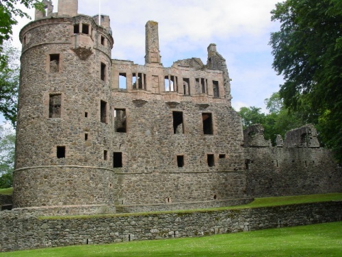 Towie Barclay Castle