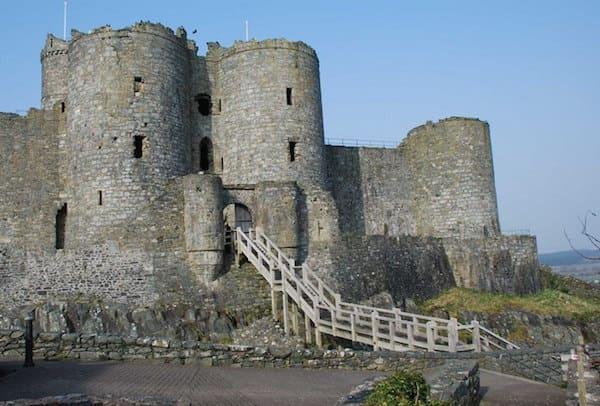 Tomen y Mur Castle
